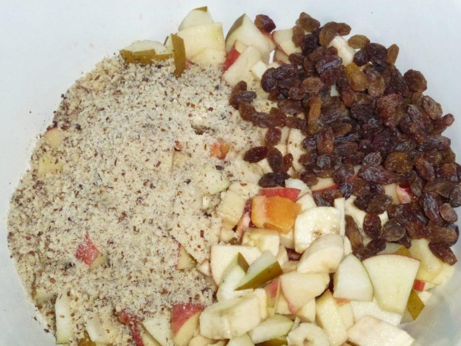 fruit porridge - bircher müsli dry ingredients