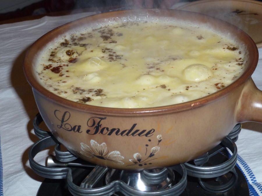 Fonduta di formaggio svizzero