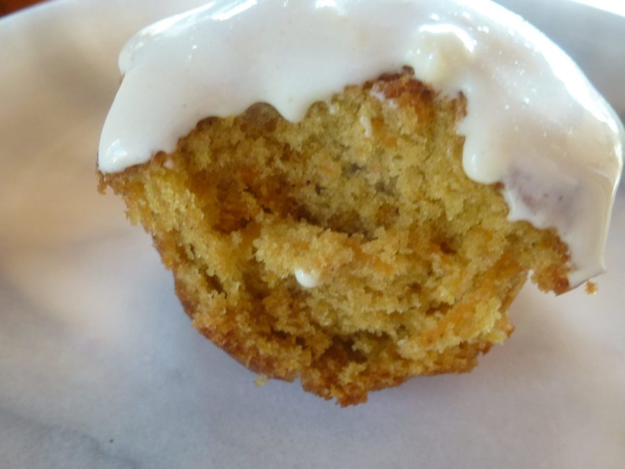 Carrot cup cake with icing