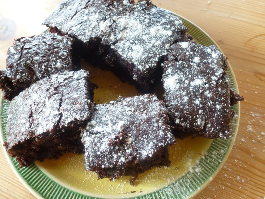 vegan chocolate cake ro brownies