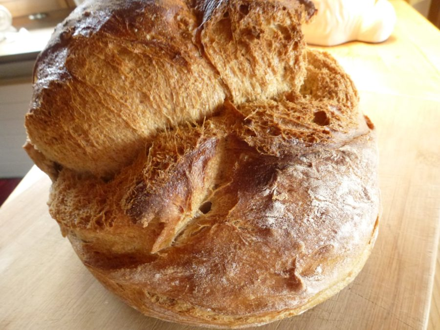 Sankt Galler bread crack