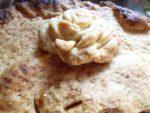Primo piano caramello top torta di mele