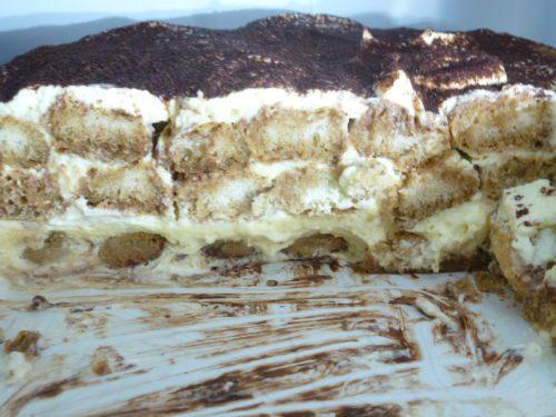 Tiramisu zeigt die Schichten