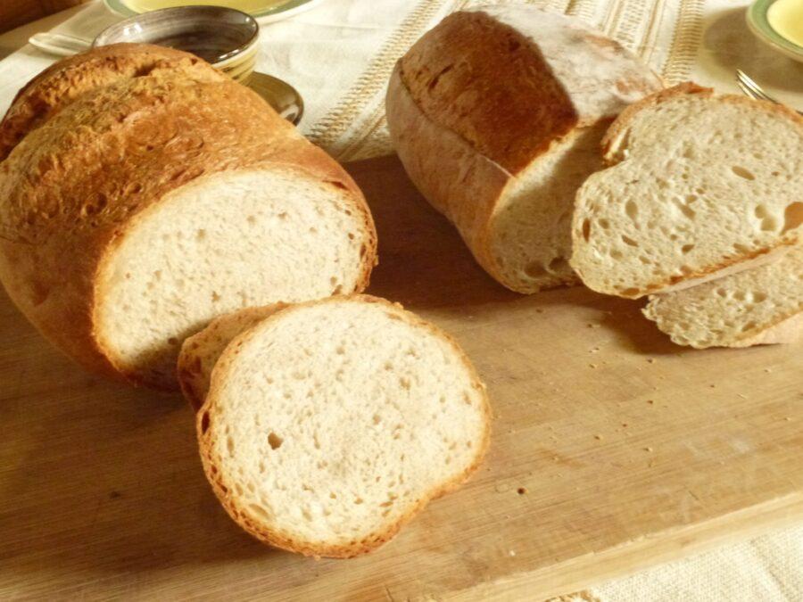 Berner and Solothurner Bread side by side